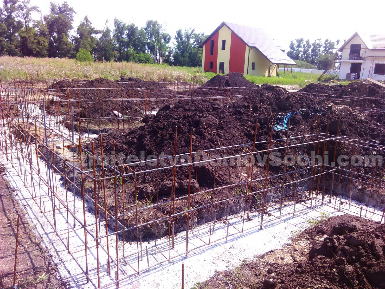 Армирование стен фундамента дома
